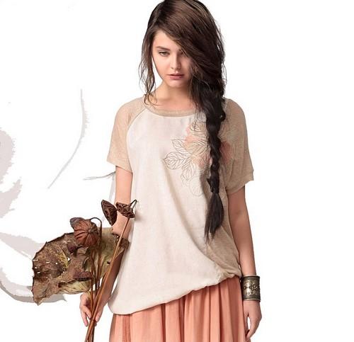 2f0fd16aea550 В зависимости от ваших личных взглядов на цветовые решения вашего гардероба  вы можете выбирать для себя женские футболки в любом оттенке.