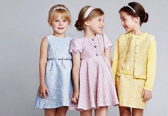 Крутые фото идеи повседневных и нарядных причесок для девочек в школу