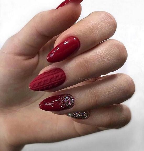 Много красного не бывает. Модный красный на ногтях: фото дизайн