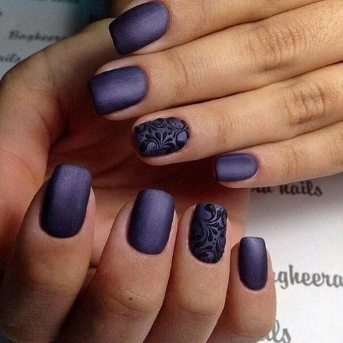 Стильный фиолетовый маникюр: самые оригинальные примеры