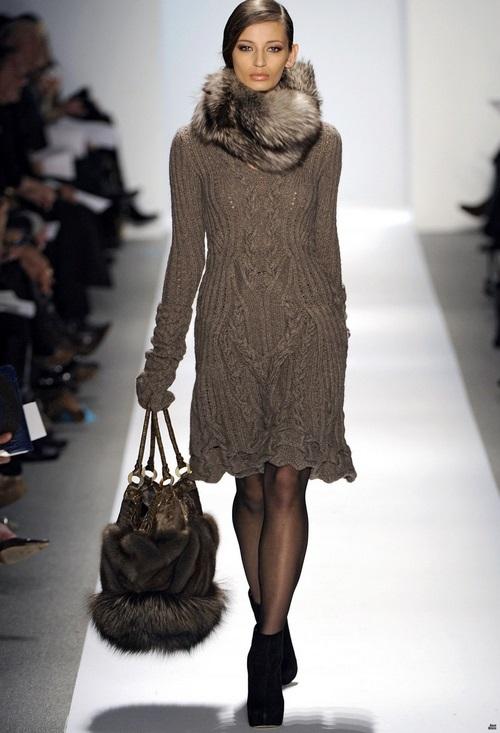 Смотреть КоллекцииОригинальные женские пальто от Gucci видео